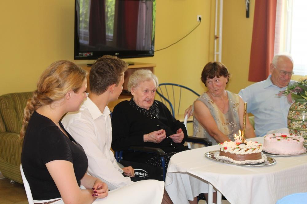 95 éves nénit köszöntöttek