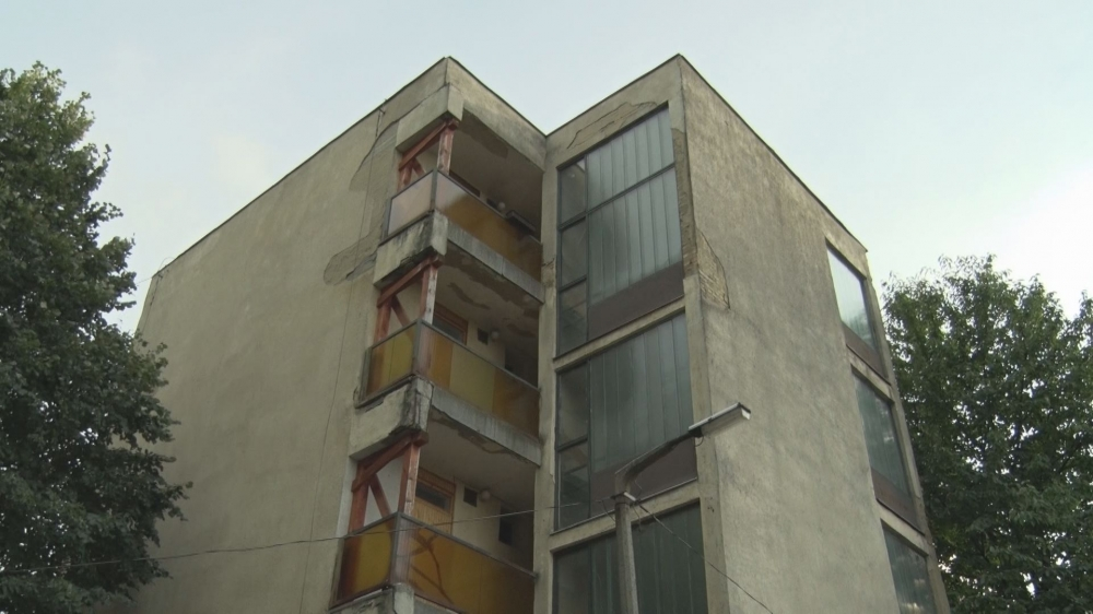 Függőfolyosó-felújítás: a lakóknak is költözniük kell