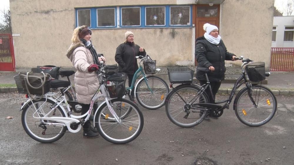 Új bicikliket kaptak a gondozónők