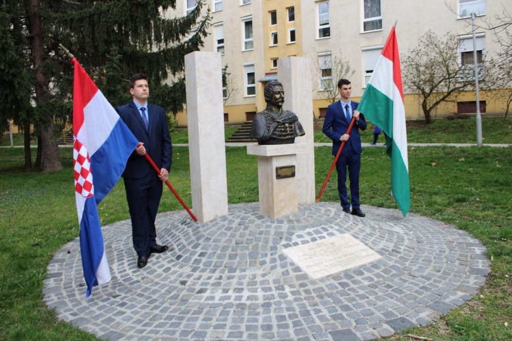 A horvát és szlavón bán előtt tisztelegtek