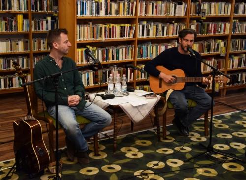 A Költészet Napját ünnepelték a könyvtárban